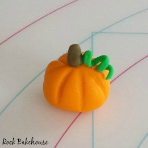 Pumpkin Cupcake Topper Tutorial