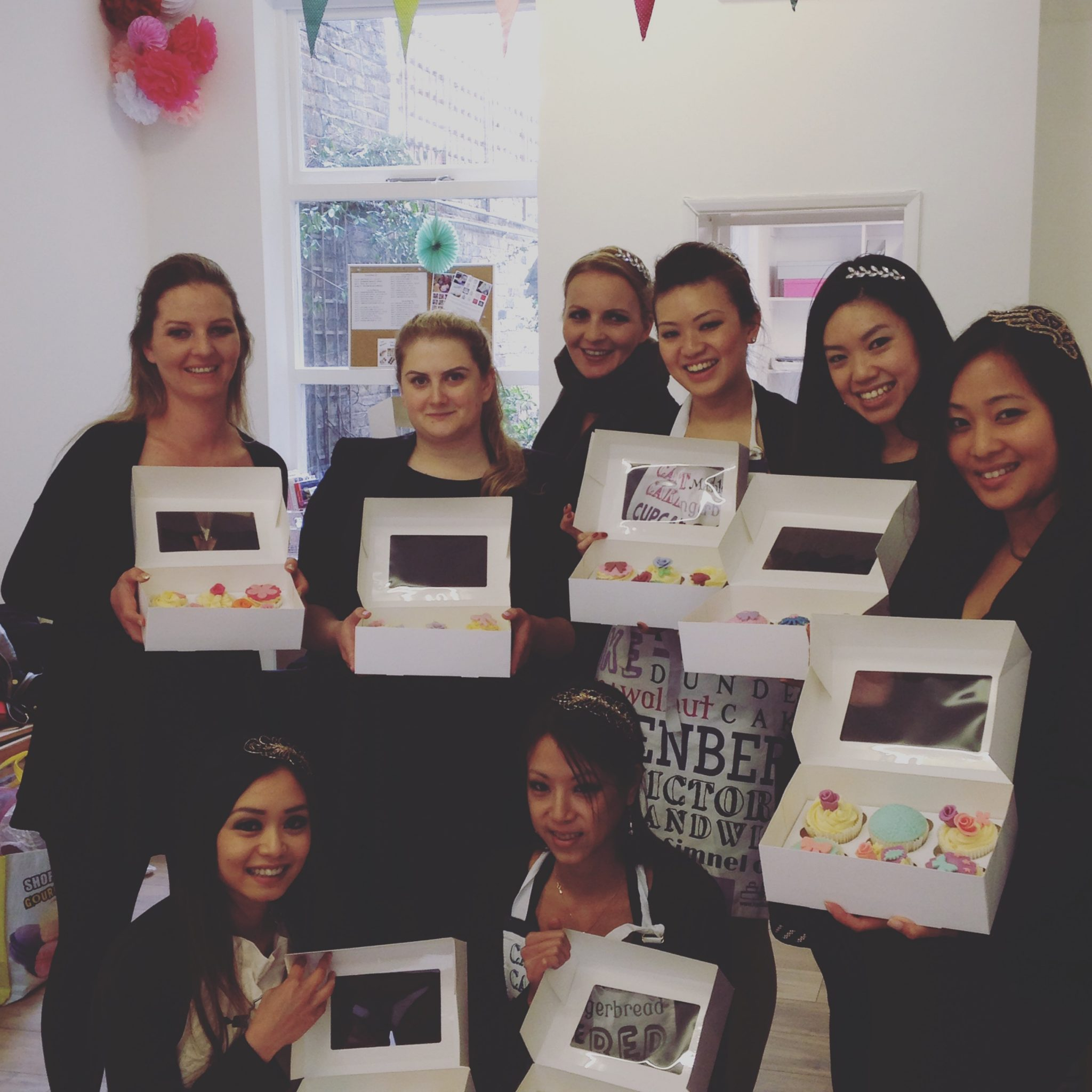 Hen Party Cupcake Decorating Class London