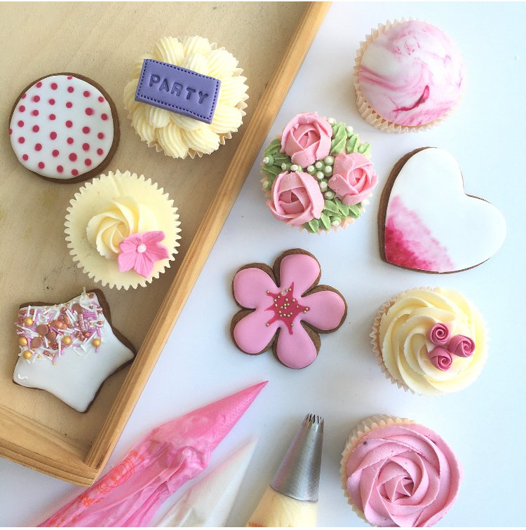Cupcake & Cookie Decorating Class London